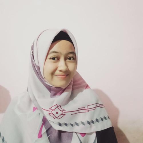 Alfatul Sarah Utari Putri Alumni Trensains di Turki